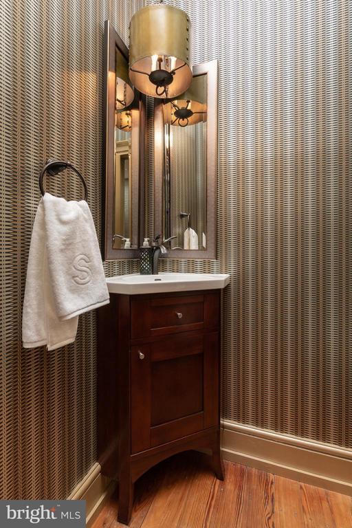Half Bathroom - 307 AMELIA ST, FREDERICKSBURG