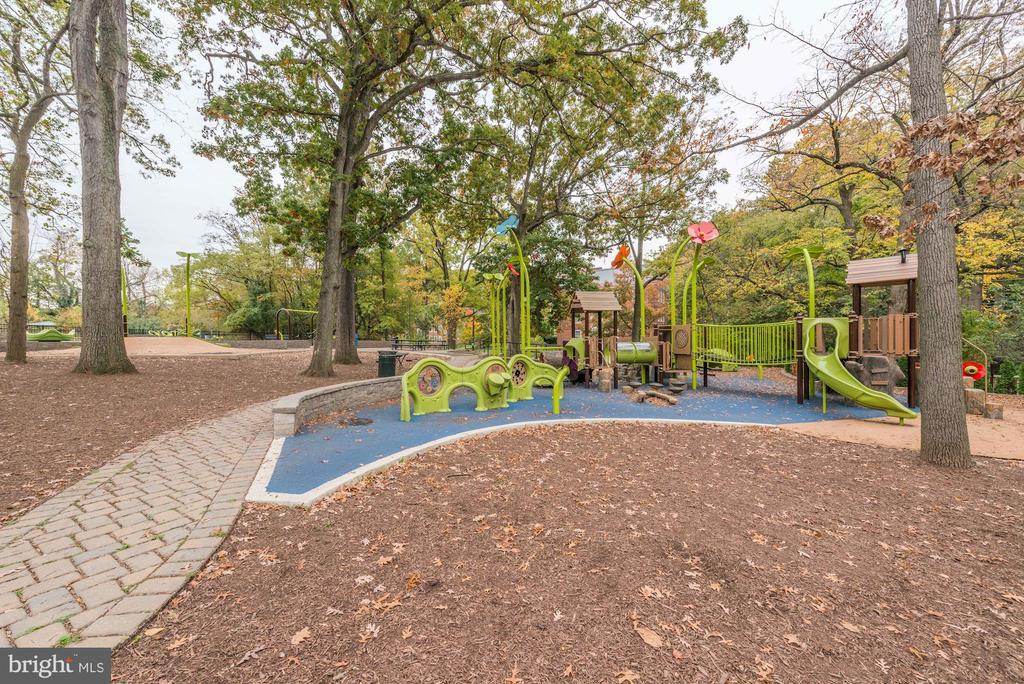 Community - Playground - 3802 PORTER ST NW #301, WASHINGTON