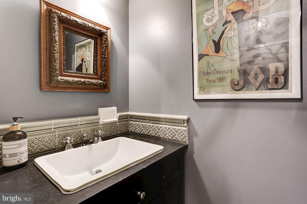 1st floor - half bath/powder room - 3802 PORTER ST NW #301, WASHINGTON