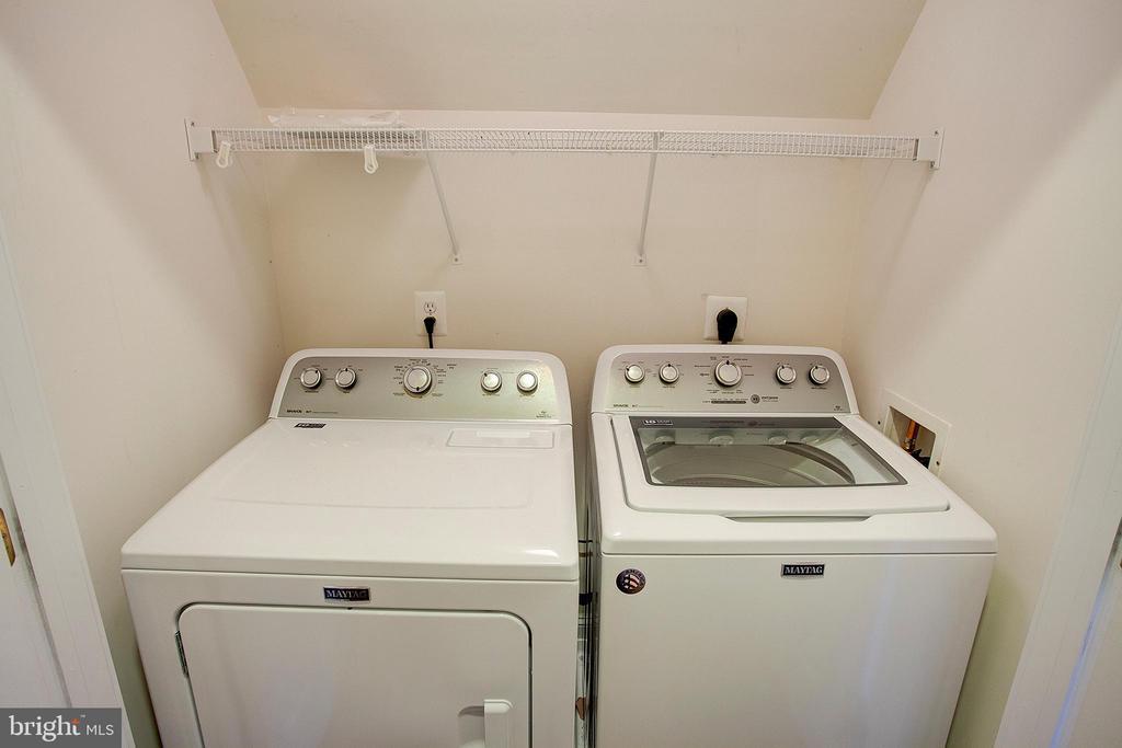 Laundry closet - 18310 FAIRWAY OAKS SQ, LEESBURG
