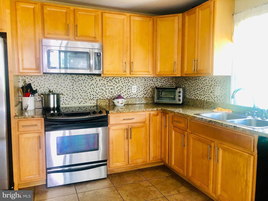 Kitchen Main Level - 3908 71ST AVE, HYATTSVILLE