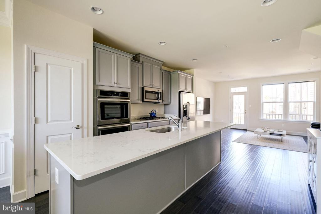 Upgraded Kitchen with Stainless Appliances - 4706 VAN BUREN ST, RIVERDALE