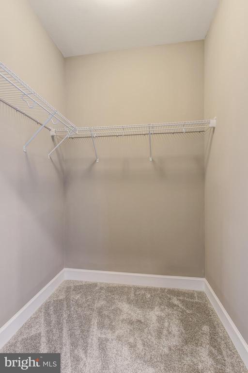 Lorton Model Owner Suite Walk in Closet - 9502-A SANGER ST, LORTON