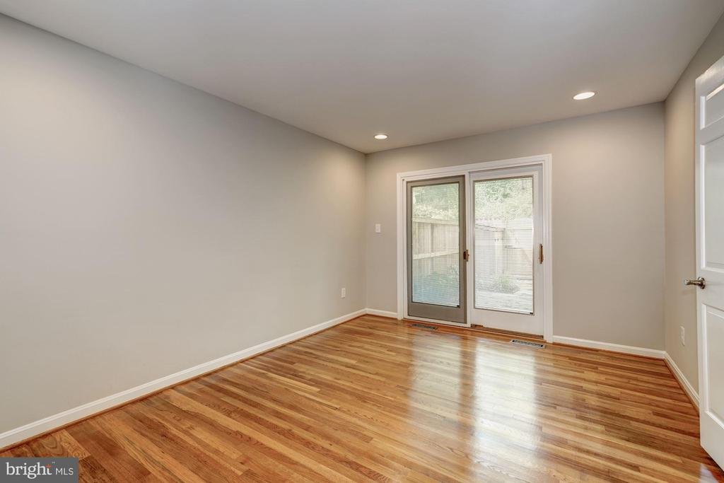 Dining room with entry to brick courtyard - 2018 HIGHBORO WAY, FALLS CHURCH