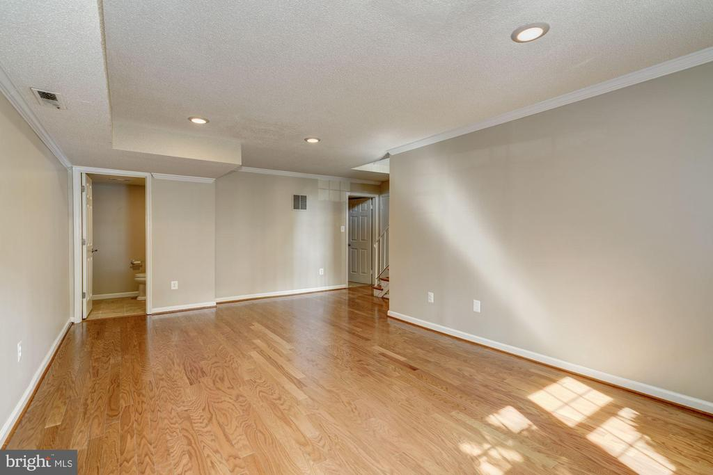 Lower level with a  bathroom - 2018 HIGHBORO WAY, FALLS CHURCH