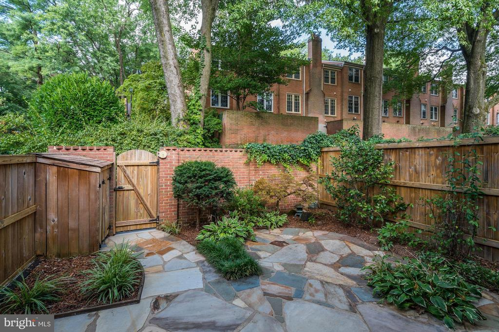 - 2018 HIGHBORO WAY, FALLS CHURCH