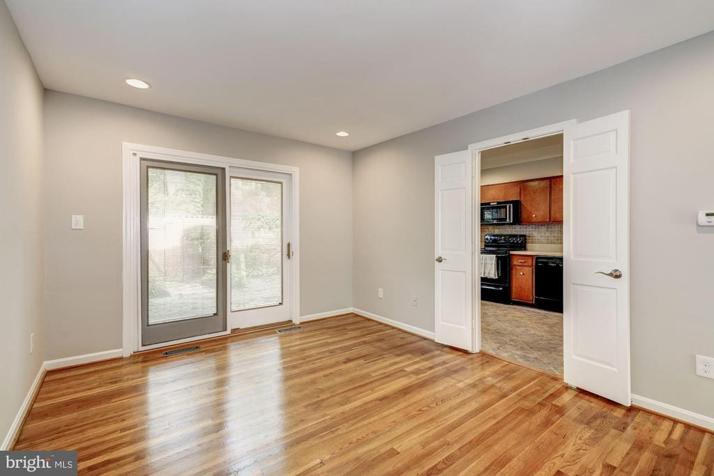 The dining room opens to the kitchen - 2018 HIGHBORO WAY, FALLS CHURCH