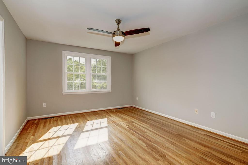 Master bedroom - 2018 HIGHBORO WAY, FALLS CHURCH