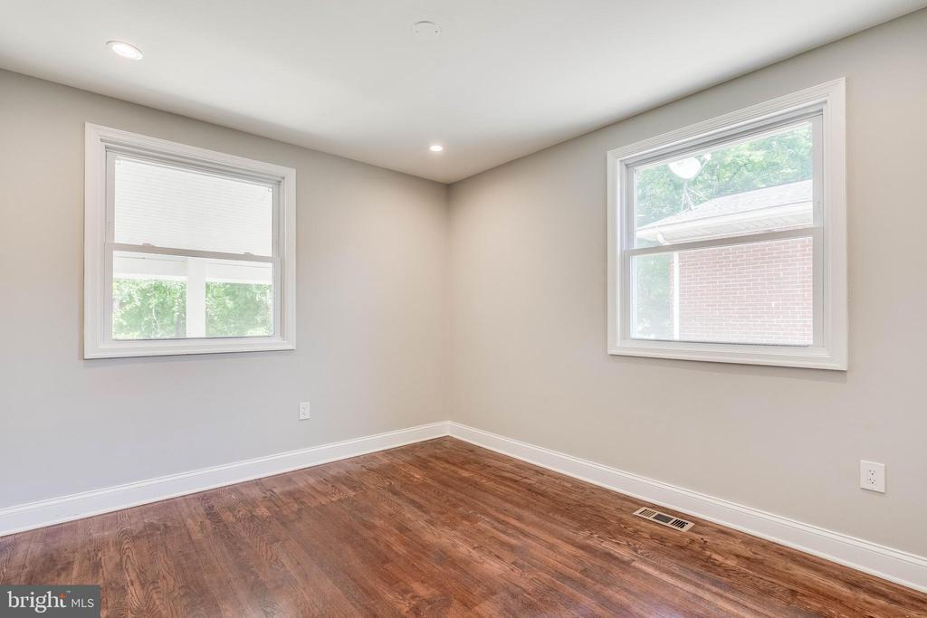 Windows and More In This Spacious Bedroom - 5020 LEE ST NE, WASHINGTON