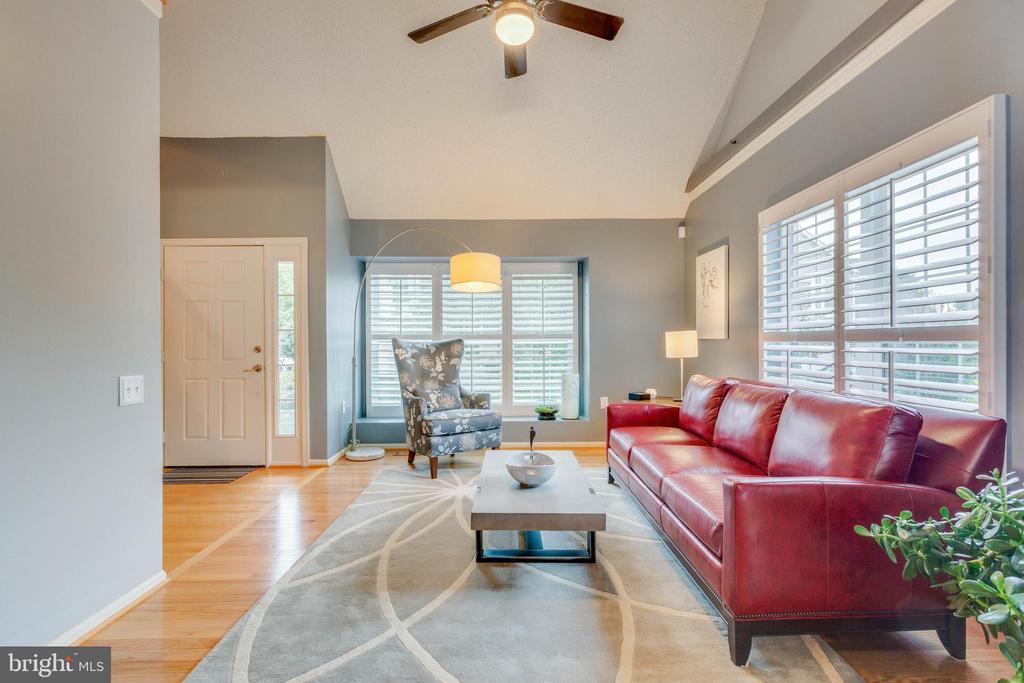 Living Room - 478 FOXRIDGE DR SW, LEESBURG