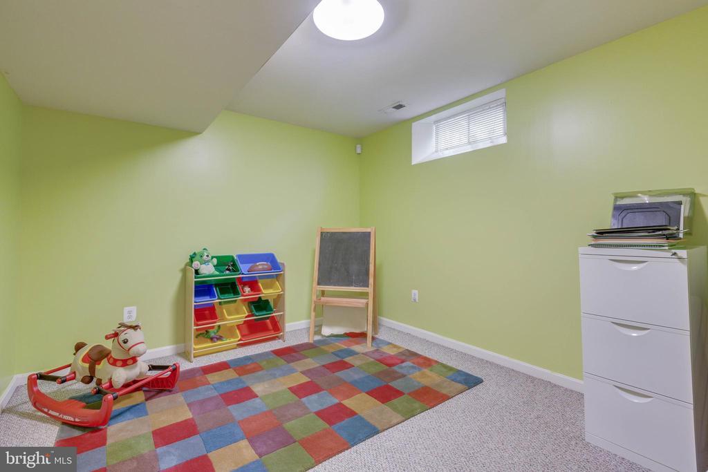 Bonus room in basement - 478 FOXRIDGE DR SW, LEESBURG