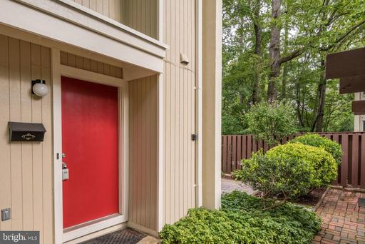 Property for sale at 2244 Southgate Sq, Reston,  Virginia 20191