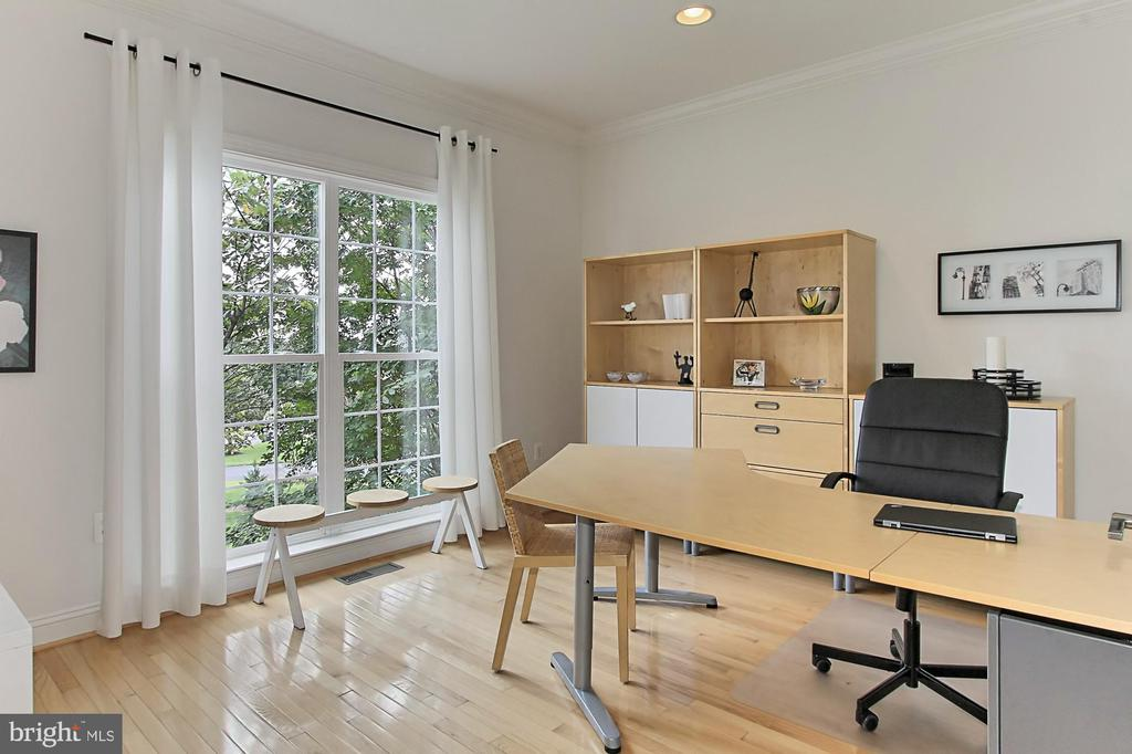 Main Lvl Office w/  Double French Doors - 22478 PINE TOP CT, ASHBURN