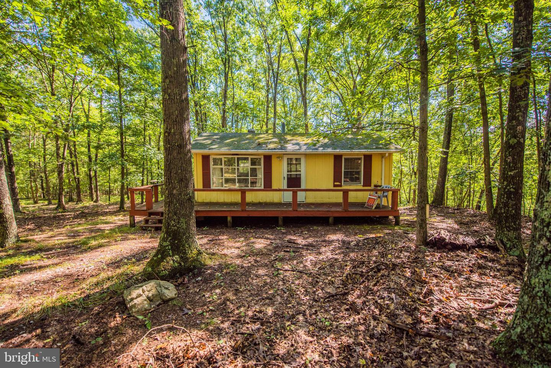 Single Family Homes 为 销售 在 Paw Paw, 西弗吉尼亚州 25434 美国