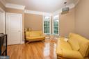 Main level bedroom - 11624 CEDAR CHASE RD, HERNDON