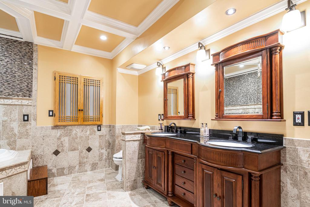 Lower level bathroom continued - 11624 CEDAR CHASE RD, HERNDON