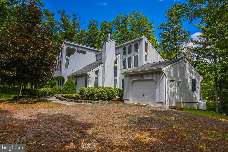Single Family Homes för Försäljning vid Canadensis, Pennsylvania 18325 Förenta staterna