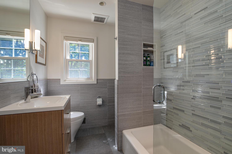 Hal Bath