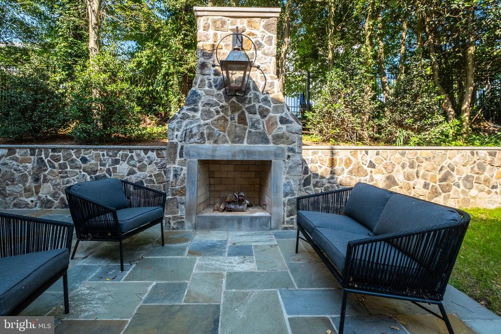 Stone Fireplace with Gas Lantern - 3200 N ABINGDON ST, ARLINGTON
