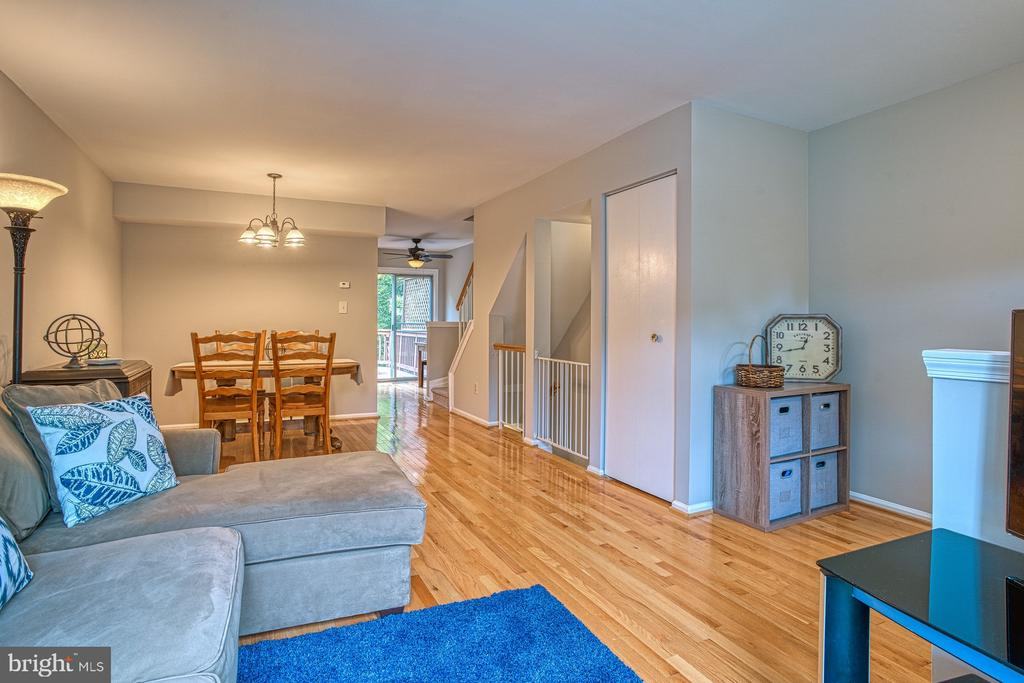 Open floor plan - 7654 NORTHERN OAKS CT, SPRINGFIELD