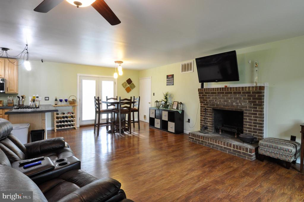 Spacious Living Room with Fireplace - 11202 OLD LEAVELLS RD, FREDERICKSBURG
