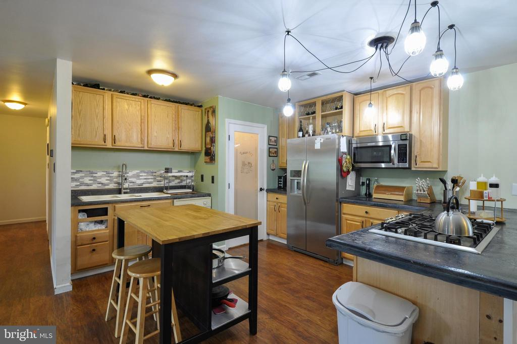 Kitchen with Lots of Storage - 11202 OLD LEAVELLS RD, FREDERICKSBURG