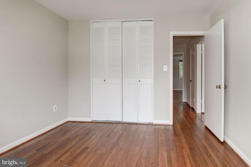 Bedroom #3 - Hardwood Floors - 5120 THACKERY CT, FAIRFAX