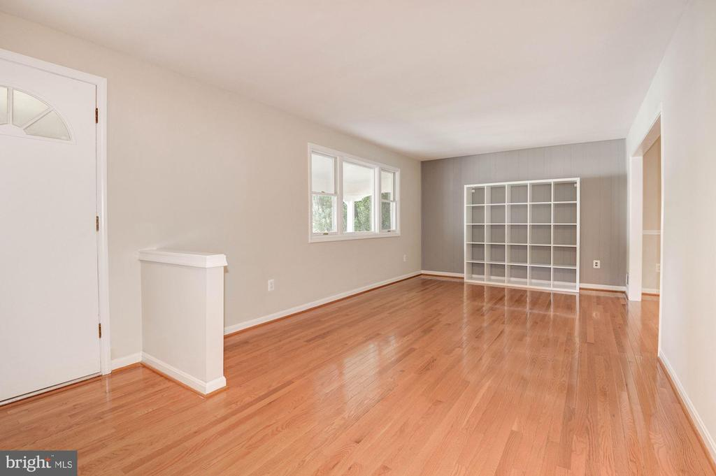 Living Room - Hardwood Floors & Large Windows! - 5120 THACKERY CT, FAIRFAX