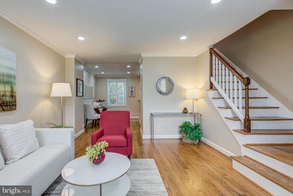 Move-In Modern Paint Colors - 3475 S WAKEFIELD ST S, ARLINGTON