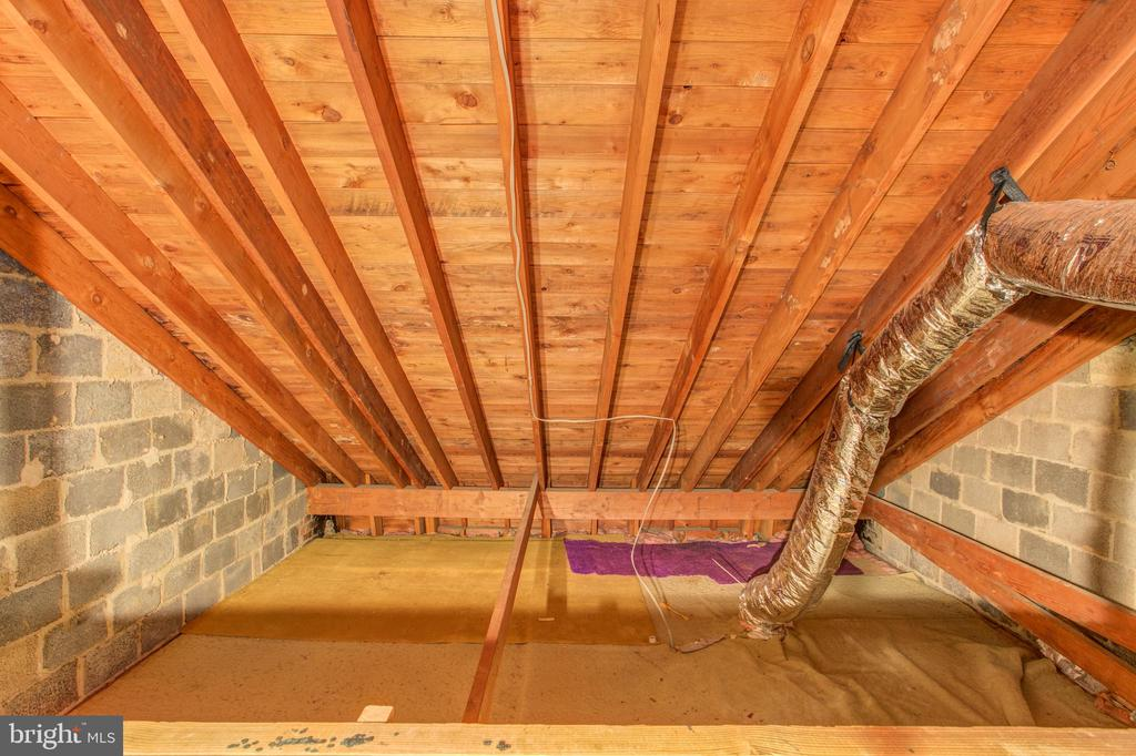 Perfect Attic Storage or Possible Living Space - 3475 S WAKEFIELD ST S, ARLINGTON
