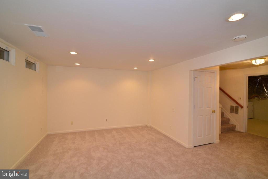 Recessed lights for a bright lower level rec room - 43854 LABURNUM SQ, ASHBURN