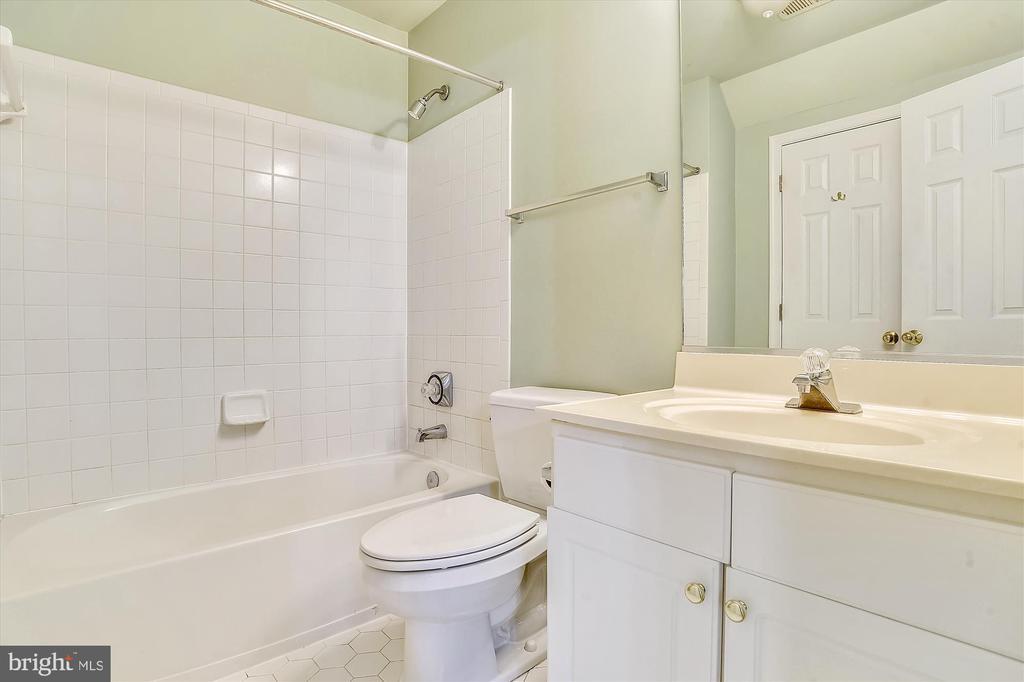 Bathroom~Bedroom 1 - 6540 MANET CT, WOODBRIDGE