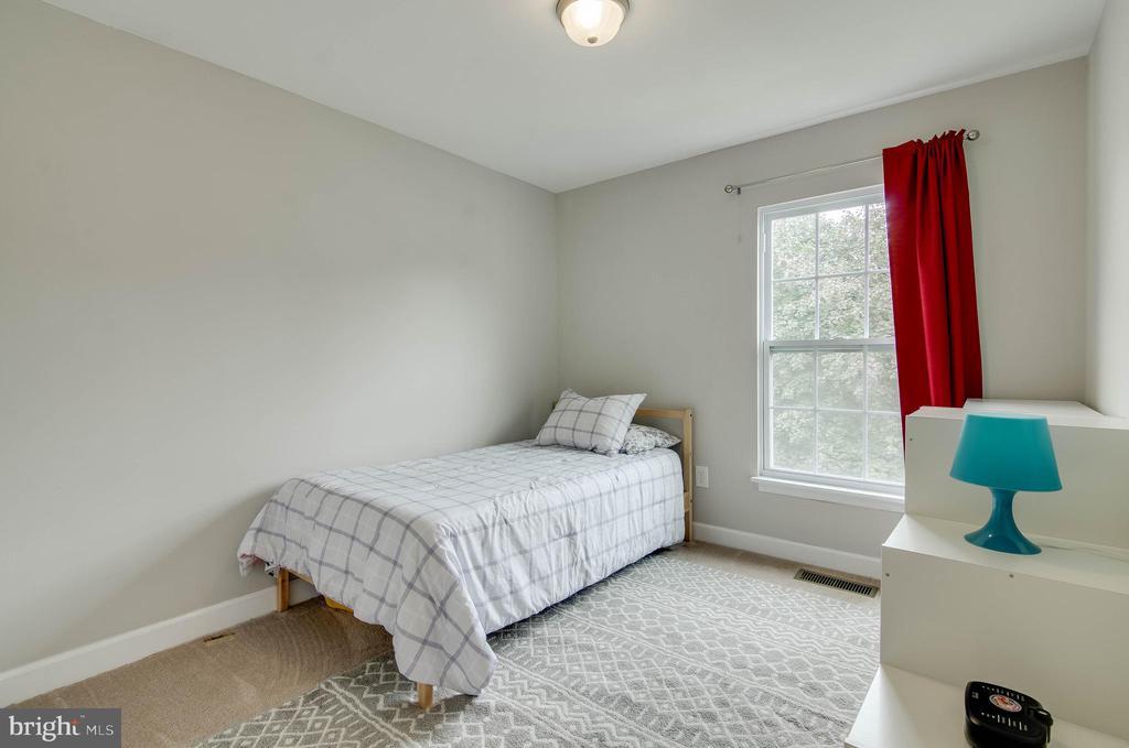 Bedroom 2 - 18209 SMOKE HOUSE CT, GERMANTOWN