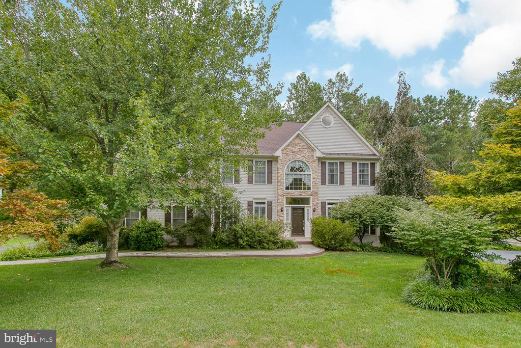 Welcome Home! - 32 MONUMENT DR, STAFFORD