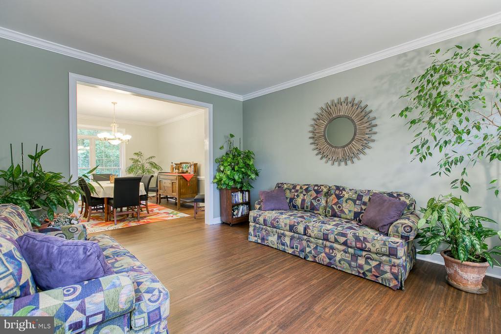 Formal living room - 32 MONUMENT DR, STAFFORD