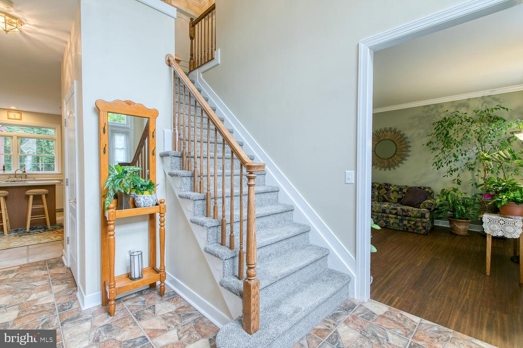 Stone flooring greets you at the front door! - 32 MONUMENT DR, STAFFORD
