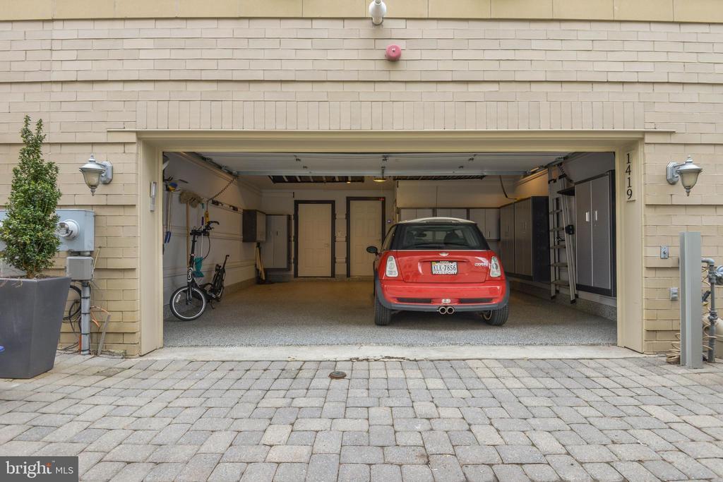 Two car garage - 1419 N NASH ST, ARLINGTON