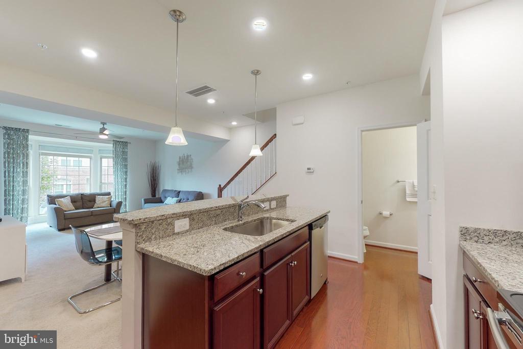View out from kitchen - 42231 PIEBALD SQ, ALDIE