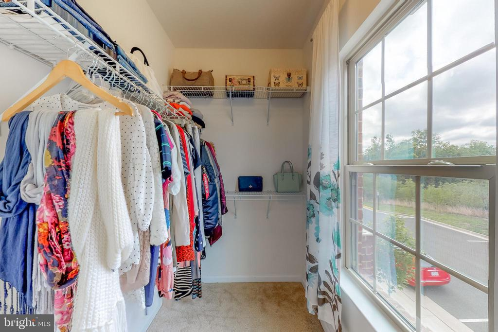 Master closet #1 - 42231 PIEBALD SQ, ALDIE