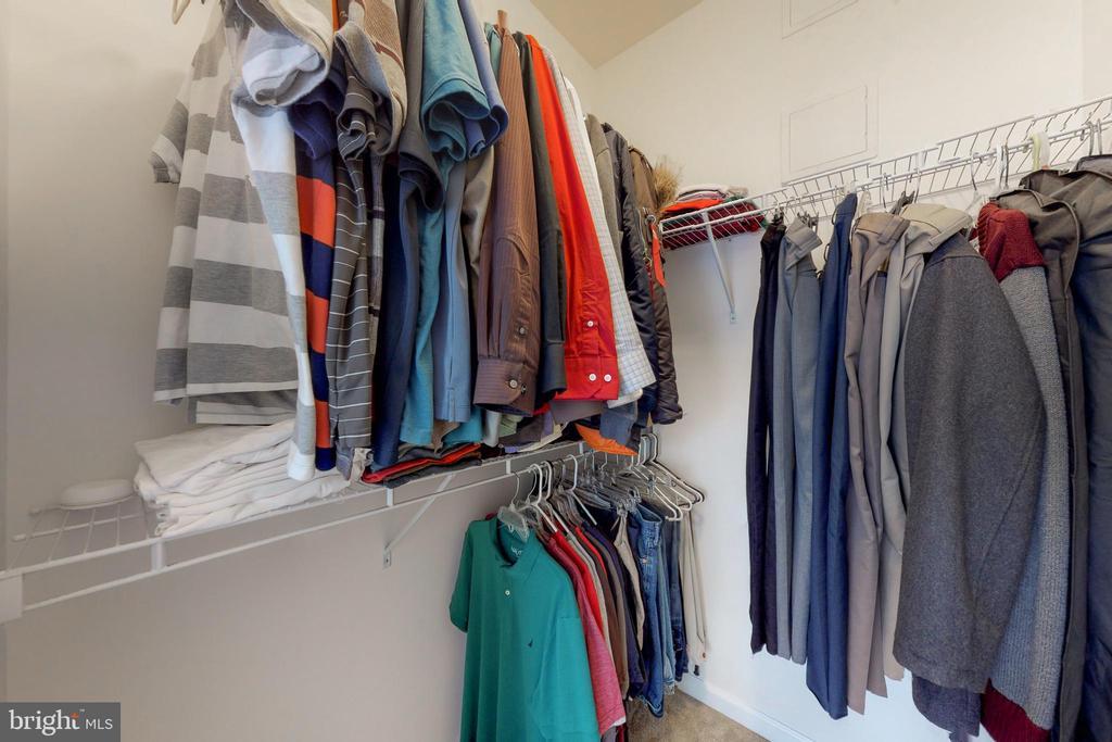 Master closet #2 - 42231 PIEBALD SQ, ALDIE