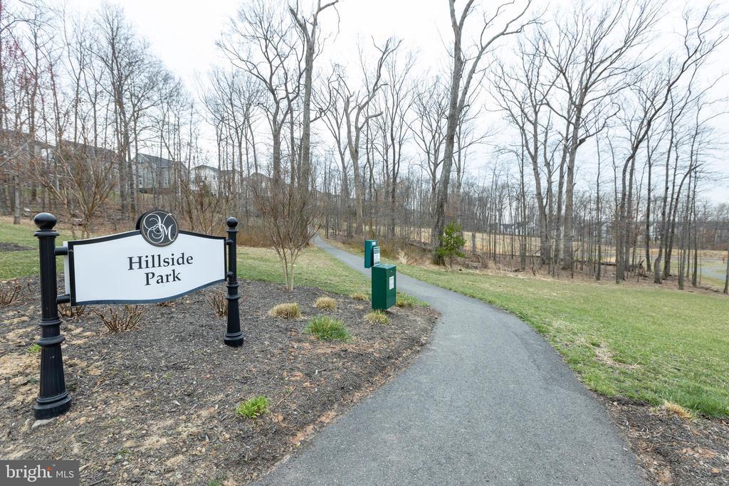 Hiking trails / dog stations! - 42231 PIEBALD SQ, ALDIE