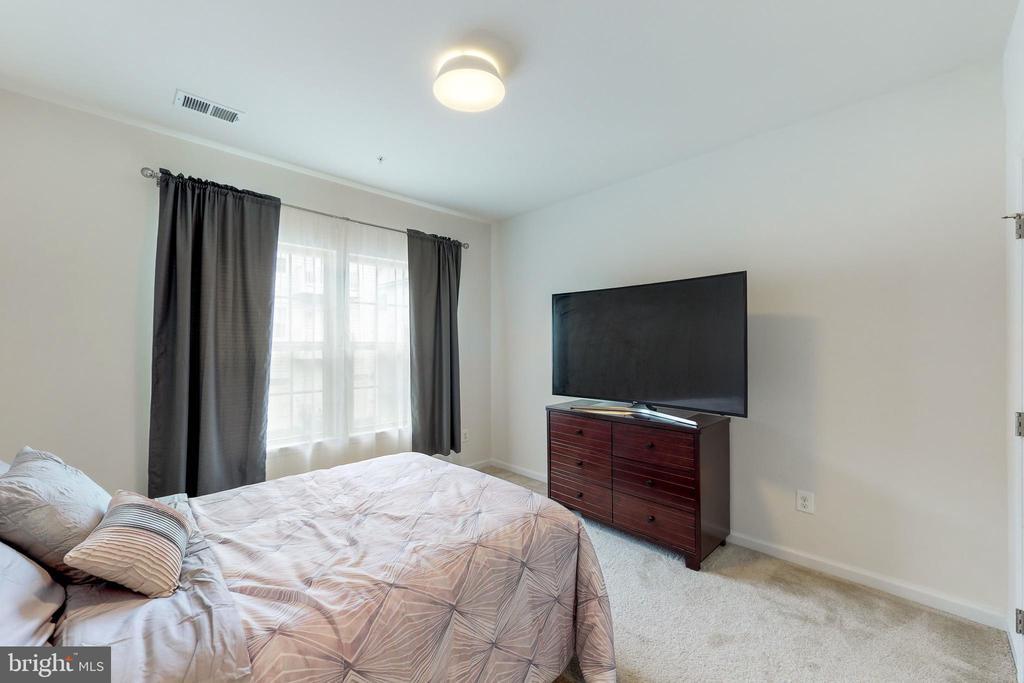3rd bedroom - 42231 PIEBALD SQ, ALDIE