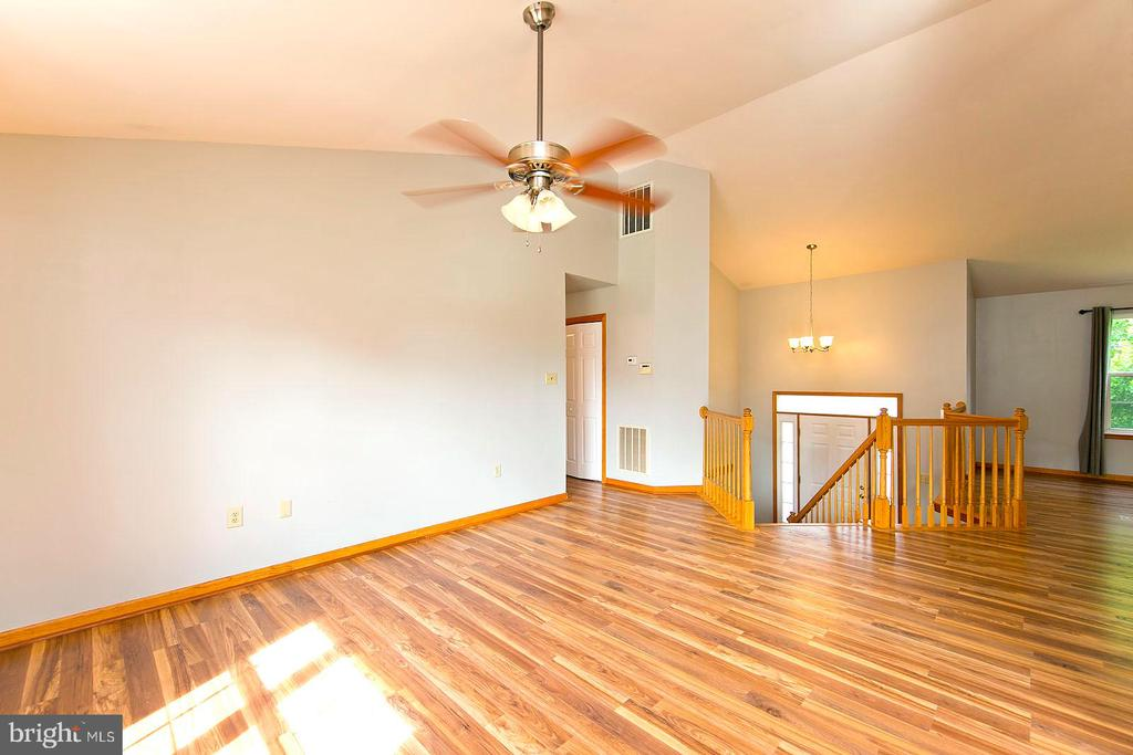 - 18 BRIDLE CT, CHARLES TOWN