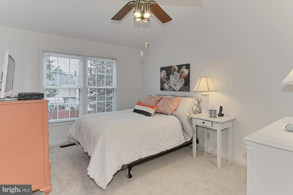 Master Bedroom - 20946 TOBACCO SQ, ASHBURN