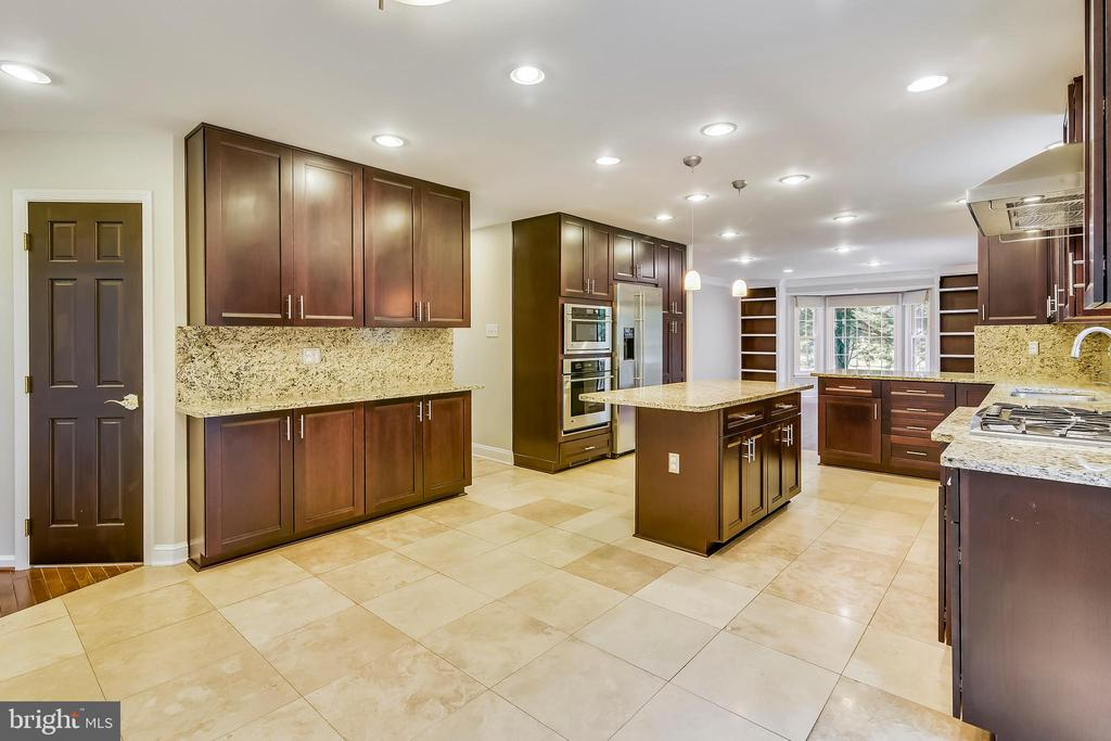 Recessed lights throughout the home - 12001 SUGARLAND VALLEY DR, HERNDON