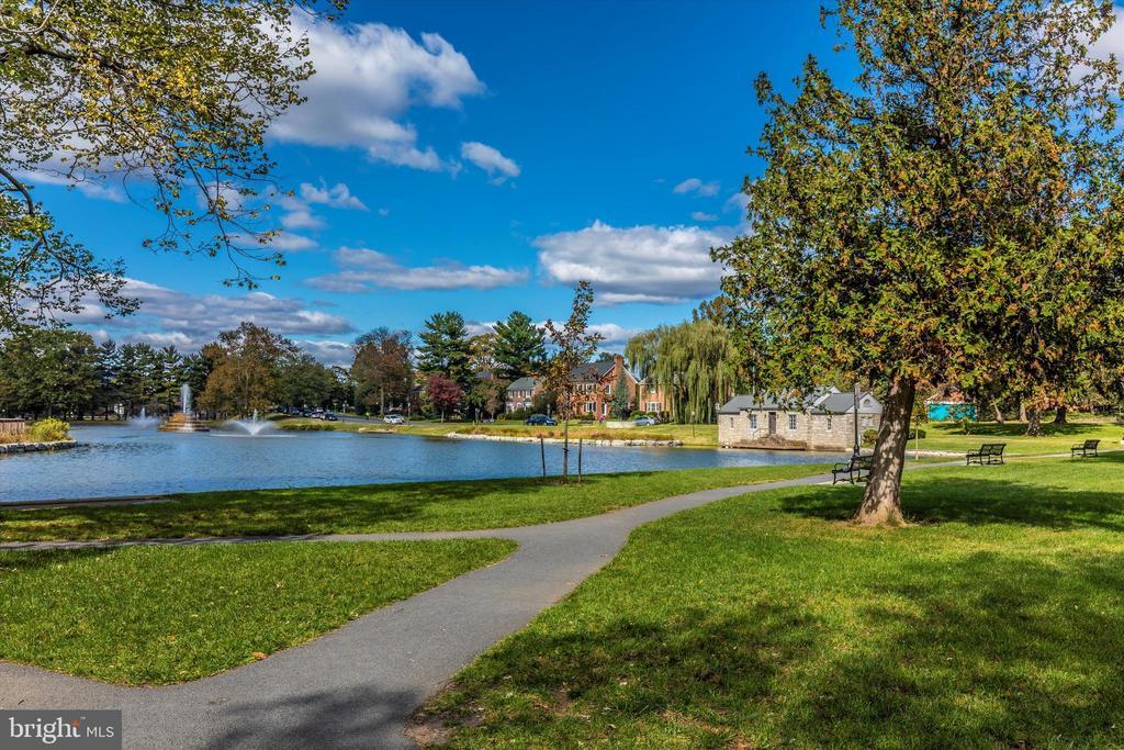 Cullar Lake Walking Paths - 101 S BENTZ ST, FREDERICK