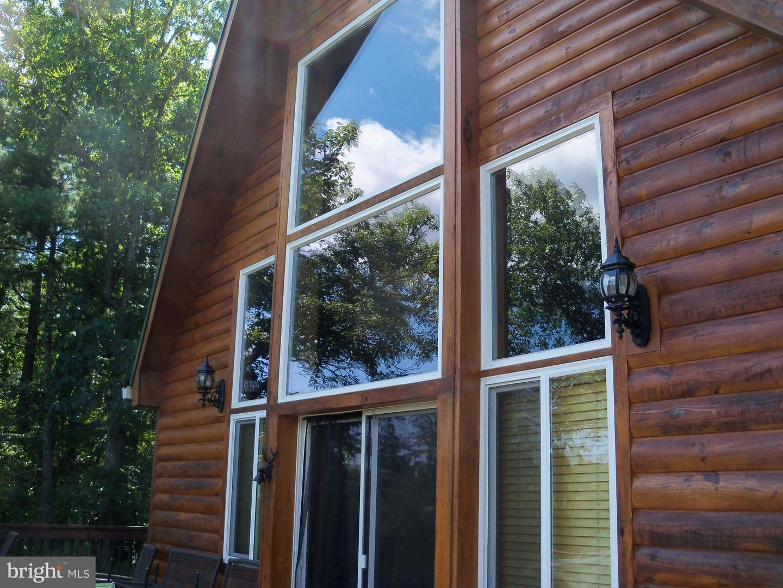 Single Family Homes 为 销售 在 Basye, 弗吉尼亚州 22810 美国