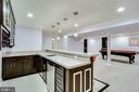 Wet bar with dishwasher and refrigerator - 13804 FOGGY HILLS CT, CLIFTON