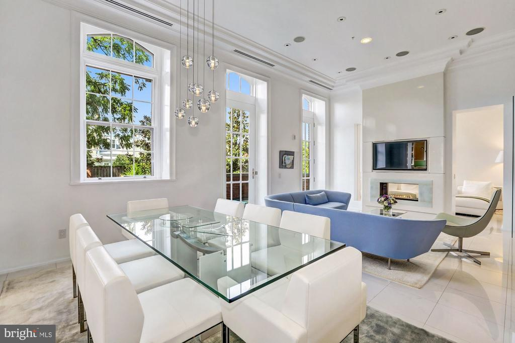 Living, Dining and Den - 3329 PROSPECT ST NW #4, WASHINGTON