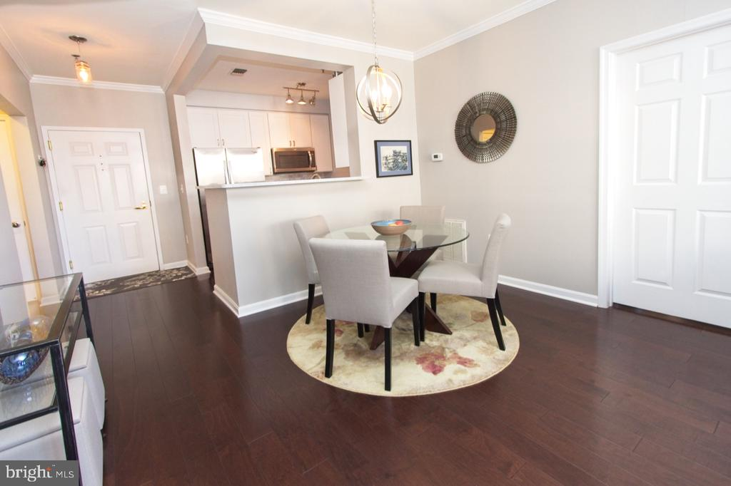 Maple Cappuccino engineered wood flooring - 1855 STRATFORD PARK PL #309, RESTON